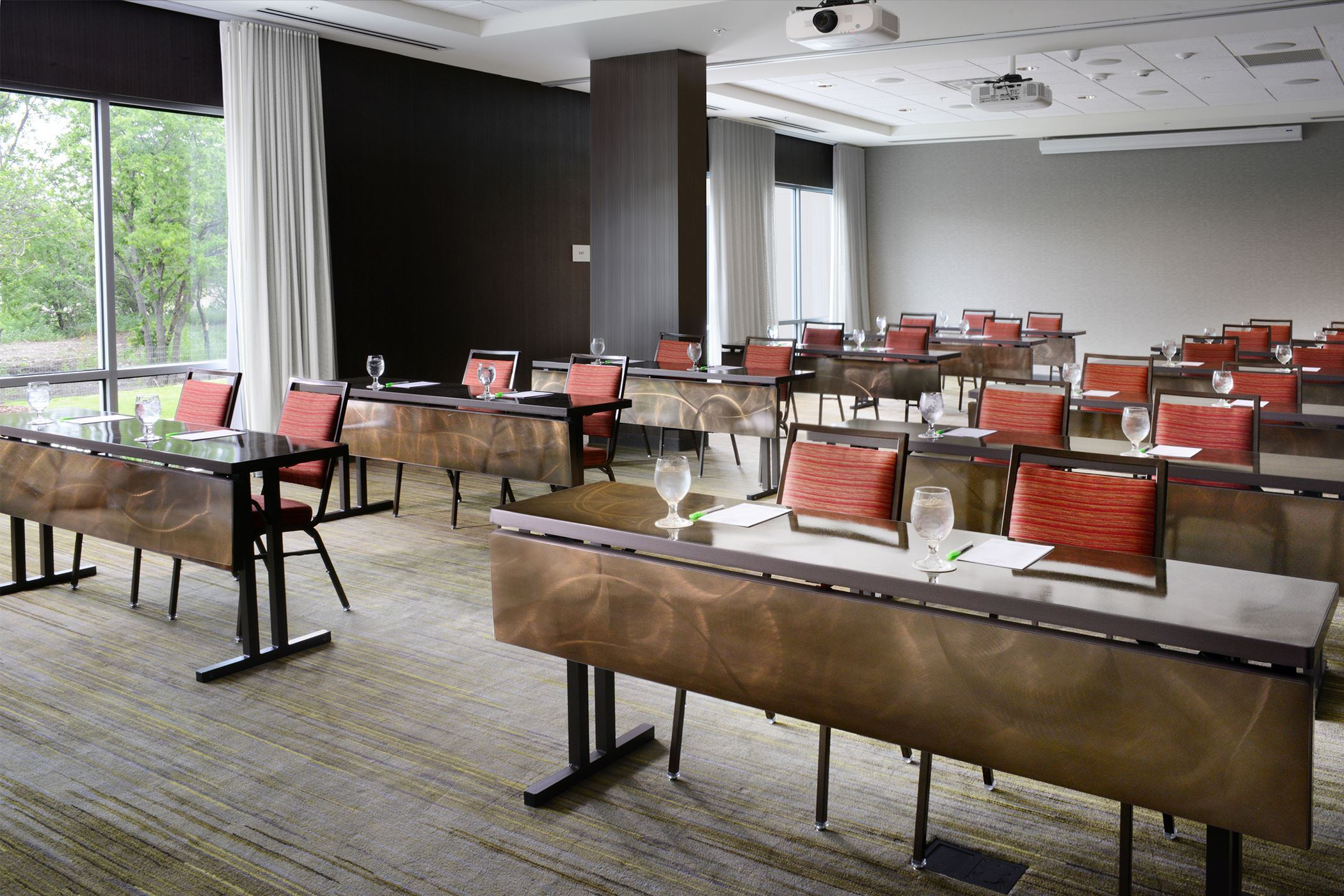 Courtyard by Marriott - meeting room_classroom setup