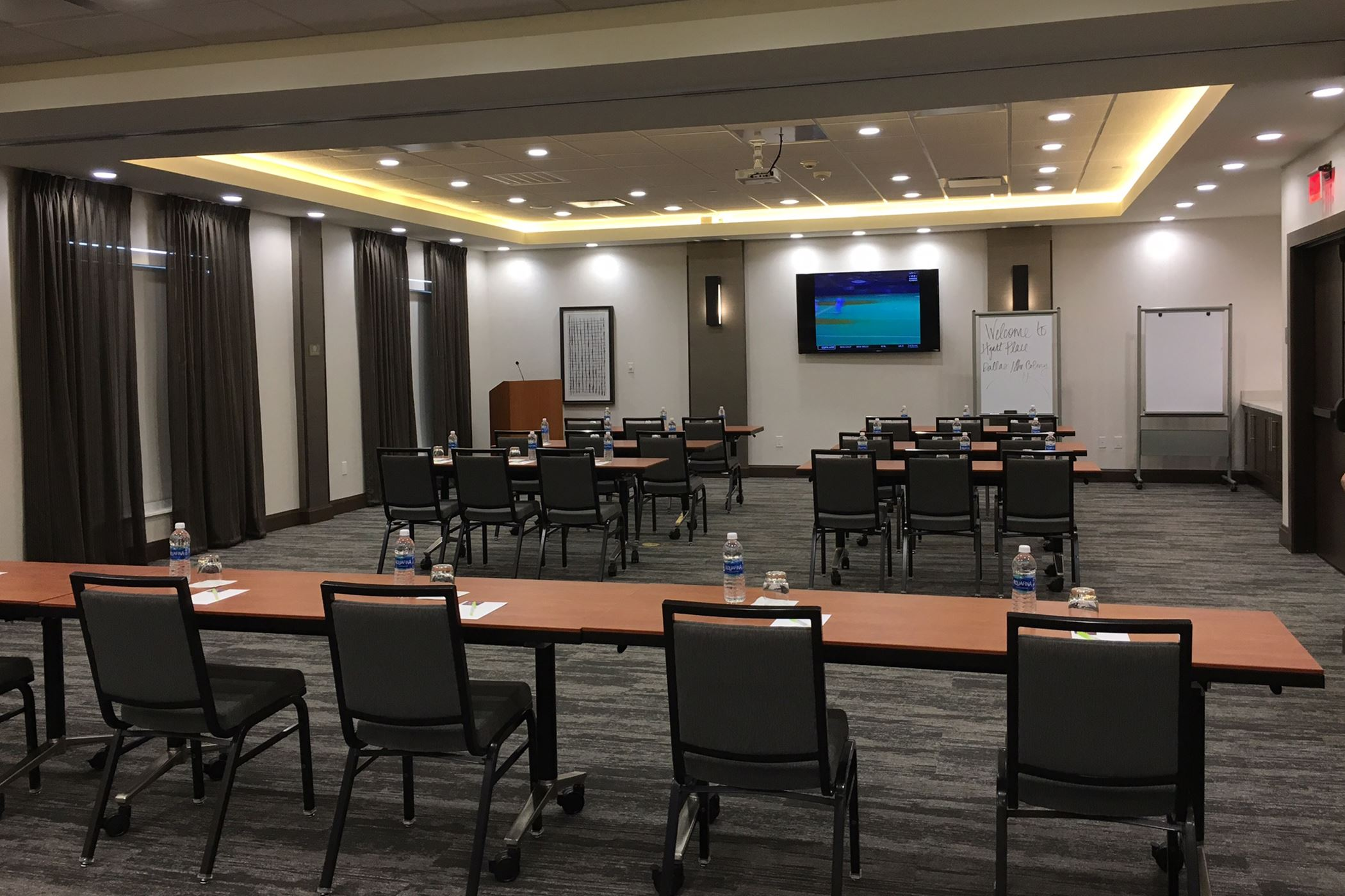 Hyatt Place - meeting room